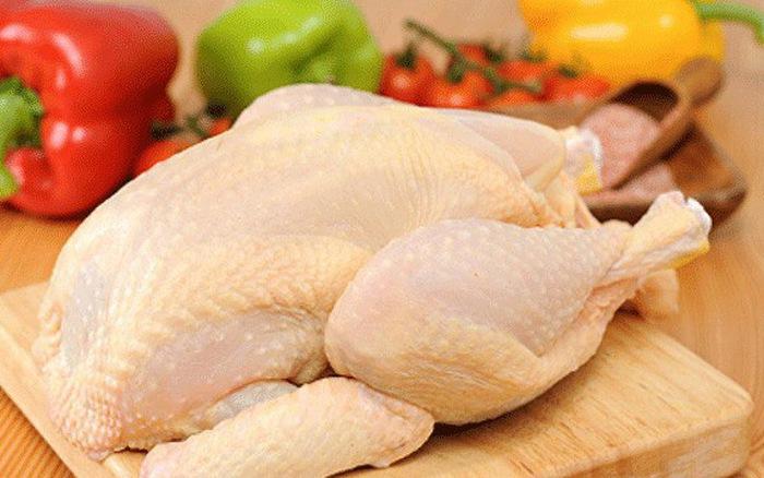 Thịt gà cũng là một loại thức ăn cần kiêng khi bị thương