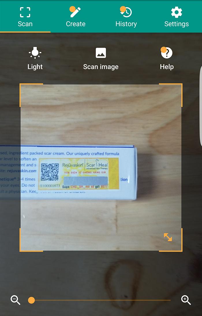 QR code sẽ lập tức kiểm tra thông tin sản phẩm kem trị sẹo chính hãng cho bạn