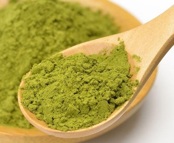 Các dưỡng chất quan trọng trong trà xanh điều trị sẹo thâm cực kỳ tốt